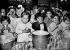 Guerre 1939-1945. Distribution de lait dans une école maternelle. France, 1941. © LAPI/Roger-Viollet