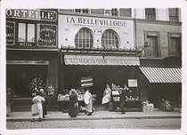 La Bellevilloise, workers' consumption cooperative, founded in Paris in 1877. Premises on the first floor (Vergnaud, architect). Paris, circa 1910. © Collection Roger-Viollet/Roger-Viollet
