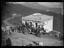 """Spanish Civil War (1936-1939). """"La Retirada"""". Tractor towing a piece of artillery taken from the Spanish Republican militiamen between Portbou and Cerbère (France), on February 8, 1939. Photograph from the Excelsior newspaper. © Excelsior - L'Equipe / Roger-Viollet"""