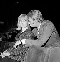 Sylvie Vartan (born in 1944), French singer, and Johnny Hallyday (1943-2017), French singer and actor, during a rehearsal on the eve of the Royal Variety Performance, in the presence of Queen Elizabeth II and Prince Philip. London (England), London Palladium, on November 7, 1965. © TopFoto/Roger-Viollet
