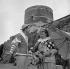 """""""Les Fourberies de Scapin"""" by Molière. Robert Hirsch and Jean Le Poulain. Angers Festival (Maine-et-Loire), June 1955. © Studio Lipnitzki/Roger-Viollet"""