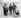 Groupe d'élèves de la Blackhorse Road School jouant avec un fusil allemand. Londres (Angleterre), 3 mars 1920. © TopFoto/Roger-Viollet