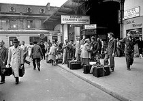 Transport strike : strike of the SNCF, French railway company. Paris. on August 24, 1953. © Roger-Viollet