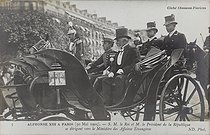 Visit in Paris of King Alfonso XIII of Spain (1886-1941). The King with Emile Loubet (1838-1929), President of the French Republic, going to the Ministry of Foreign Affairs. Paris, on May 30, 1905. Photograph by Charles Chusseau-Flaviens. Paris, bibliothèque de l'Hôtel de Ville. © Charles Chusseau-Flaviens / BHdV / Roger-Viollet