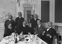 Jury of literature prize. Standing: Jérôme Tharaud, François Mauriac, André Maurois. Sitting 3rd on the left: Jean Giraudoux. © Roger-Viollet