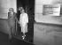 Andreï Sakharov (1921-1989), physicien russe, et son épouse Elena, après leur recontre avec Richard von Weizsaecker (né en 1921), homme politique allemand. Moscou (U.R.S.S.), 6 juillet 1987. © Ullstein Bild/Roger-Viollet