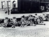 Insurrection de Pâques 1916. Mitrailleurs britanniques tirant sur des révolutionnaires irlandais. © TopFoto / Roger-Viollet