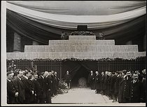 Corpse of Jean Jaurès (1859-1914), French politician, transferred to the Pantheon. The catafalque at the Chamber of Deputies. Paris (VIIth arrondissement), on November 23, 1924. © Collection Harlingue/Roger-Viollet