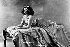 Colette (1873-1954), écrivain français, au Ba-Ta-Clan. © Roger-Viollet