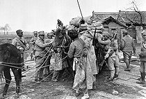 Chinese civil war. Soldiers of Chiang Kai-shek during one of the five campaigns against Mao Zedong and the Jiangxi Republic, 1929-1934. © Roger-Viollet
