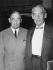 Hugo Alvar Henrik Aalto (1898-1976), architecte finlandais, et Walter Gropius (1883-1969), architecte américain d'origine allemande, 1957. © Ullstein Bild / Roger-Viollet