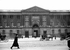 The Perrault's Colonnade (or Colonnade du Louvre). Paris (Ist arrondissement), circa 1910. Photograph by Albert Harlingue (1879-1963). © Albert Harlingue / Roger-Viollet