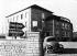 Batiments des services administratifs des usines Porsche et Volkswagen, à Fallersleben, en 1939. © Ullstein Bild / Roger-Viollet