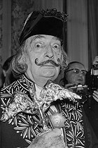 Salvador Dali (1904-1989), Spanish painter, greeted at the Academy of Fine arts. Paris, May 9, 1979. © Jacques Cuinières / Roger-Viollet