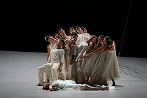 """""""Romeo and Juliet"""", ballet choreographed by Sasha Waltz, after the play by William Shakespeare. Composer : Hector Berlioz. Hervé Moreau and Aurélie Dupont. Paris, Opéra Bastille, on October 3rd, 2007. © Colette Masson / Roger-Viollet"""