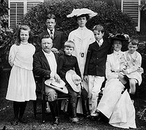 Théodore Roosevelt (1858-1919), American statesman, with his family. © Albert Harlingue / Roger-Viollet
