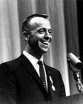 November 18, 1923 (95 years ago) : Birth of Alan Shepard (1923-1998), American astronaut