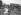 Guerre 1914-1918. Troupes britanniques du Corps expéditionnaire indien, débarquant des camionnettes. Moyen-Orient (ancienne Mésopotamie), août 1915.  © PA Archive/Roger-Viollet