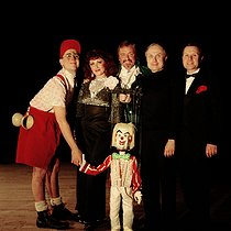 Lamy-Frères circus. Serge, Yann, Tommy, Les Martini and Shcovoky the clown. Paris, circa 1990.  © Kathleen Blumenfeld/Roger-Viollet