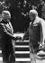 Guerre 1939-1945. Première rencontre officielle entre Harry Truman (1884-1972), homme d'Etat américain, et Winston Churchill (1874-1965), homme d'Etat britannique. Conférence de Potsdam (Allemagne), 16 juillet 1945. © Alinari/Roger-Viollet