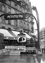 World War II. Metro station closed during mobilization. Paris, 1939. © LAPI / Roger-Viollet
