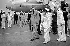 Le général de Gaulle à sa descente d'avion à l'aéroport de Djibouti, août 1966. © Roger-Viollet