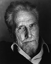 April 18, 1958: The US Federal Court decides to release the poet Ezra Pound from the asylum. © Fondation Horst Tappe / KEYSTONE Suisse / Roger-Viollet
