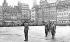 Guerre 1939-1945. Célébration de la libération de Strasbourg. Le général Leclerc (1902-1947) pendant une prise d'armes. Novembre 1944. © Neurdein/Roger-Viollet
