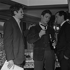 """""""Les Dragueurs"""", film de Jean-Pierre Mocky (1929-2019), ce dernier dirigeant Jacques Charrier et Charles Aznavour. France, 10 février 1959. © Alain Adler / Roger-Viollet"""