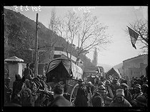 "Spanish civil war (1936-1939). ""La Retirada"". Spanish refugees arriving by horse-drawn cars and trucks. Le Perthus (France), February 1939. Photograph from the Excelsior magazine. © Excelsior - L'Equipe / Roger-Viollet"