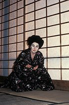"""Madama Butterfly"" by Giacomo Puccini, staging by Pierluigi Samaritani under Alain Lombard's direction. Christa Ludwig. Opéra de Paris, October 1983.  © Colette Masson/Roger-Viollet"