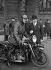 Service d'ordre motocycliste de la police parisienne, lors d'une manifestation à Notre-Dame. Paris, 6 février 1935. © Roger-Viollet