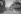 Deauville (Calvados). Scène de rue avec le casino, au fond. Années 1950.     © CAP / Roger-Viollet