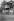 Poètes russes émigrés en France, vers 1925, avec leurs familles. A gauche : Konstantine Balmont (1867-1942) et Ivan Chmelev (1873-1950) à droite.  © Boris Lipnitzki/Roger-Viollet