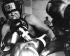 Mohamed Ali (anciennement Cassius Marcellus Clay, 1942-2016), boxeur américain, lors d'une séance d'entraînement. © TopFoto / Roger-Viollet