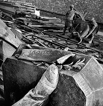 World War II. German occupation. Destruction of statues to recycle the metal. The base of the Ledru-Rollin monument with its plinth, by Léopold-Clément Steiner (1853-1899). Paris, 1941. © Pierre Jahan/Roger-Viollet