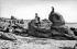 Beg-Meil (Finistère). Rochers de la plage des dunes. La pierre tremblante, vers 1900. © Neurdein / Roger-Viollet