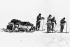 Les quatre derniers compagnons de l'explorateur britannique Scott (1868-1912), photographiés par leur chef près du pôle Sud, en 1912. © Roger-Viollet