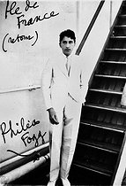 """Jean Cocteau ( 1889-1963 ), french writer, on the liner """" Ile de France """". Photography commented and signed on the return to its Tour of the world in 80 days (allusion to the Phileas Fogg from Jules Verne). 29 March-June 17, 1936. © Albert Harlingue / Roger-Viollet"""