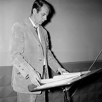 Karlheinz Stockhausen (1928-2007), German composer. Paris, Salle Pleyel, May 1965. © Studio Lipnitzki/Roger-Viollet