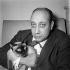 Jean-Pierre Melville (1917-1973), cinéaste français. Paris, vers 1956. © Gaston Paris / Roger-Viollet