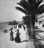Promenade du Midi. Nice (Alpes-Maritimes), 1896. Détail d'une vue stéréoscopique. © Léon et Lévy/Roger-Viollet