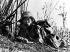 Guerre d'Indochine. Parachutiste en position. Dien Bien Phu (Indochine), février 1954. © Ullstein Bild/Roger-Viollet