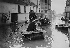 Crue de la Seine. Paris, rue de Javel (XVème arr.), 1910. © Maurice-Louis Branger/Roger-Viollet