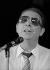 Charles Trenet (1913-2001), chanteur et auteur-compositeur français. Paris, Olympia, vers 1975. © Bernard Lipnitzki / Roger-Viollet