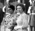 Indira Gandhi (1917-1984), femme politique indienne, et la reine Elisabeth II (née en 1926), 1983. © TopFoto/Roger-Viollet