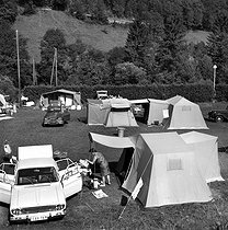 Saint-Claude (Jura). Camping ground. Years 1970. © Roger-Viollet