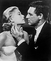"""To Catch a Thief"", film by Alfred Hitchcock. Grace Kelly and Cary Grant. United States, 1955. © Roger-Viollet"