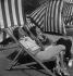 Sieste. Plage de Monte-Carlo (Principauté de Monaco), 1934. © Boris Lipnitzki/Roger-Viollet
