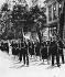 Manifestation des sociaux-démocrates contre les nazis dans les Sudètes . Chodov (Tchécoslovaquie), 21 août 1938.  © Ullstein Bild/Roger-Viollet
